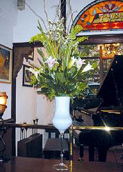 Gentle Arrangement - Design Flowers Restaurant